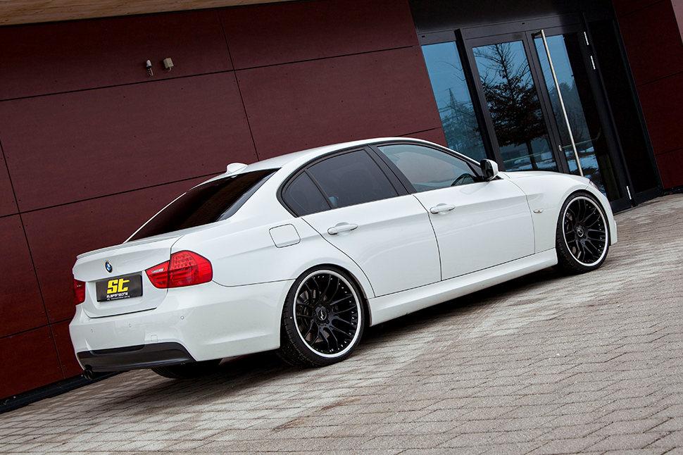 Das ST X Gewindefahrwerk, das übrigens über ein sportlich-harmonisches Dämpfersetup verfügt, haben wir auch für die BMW xDrive-Modelle entwickelt.