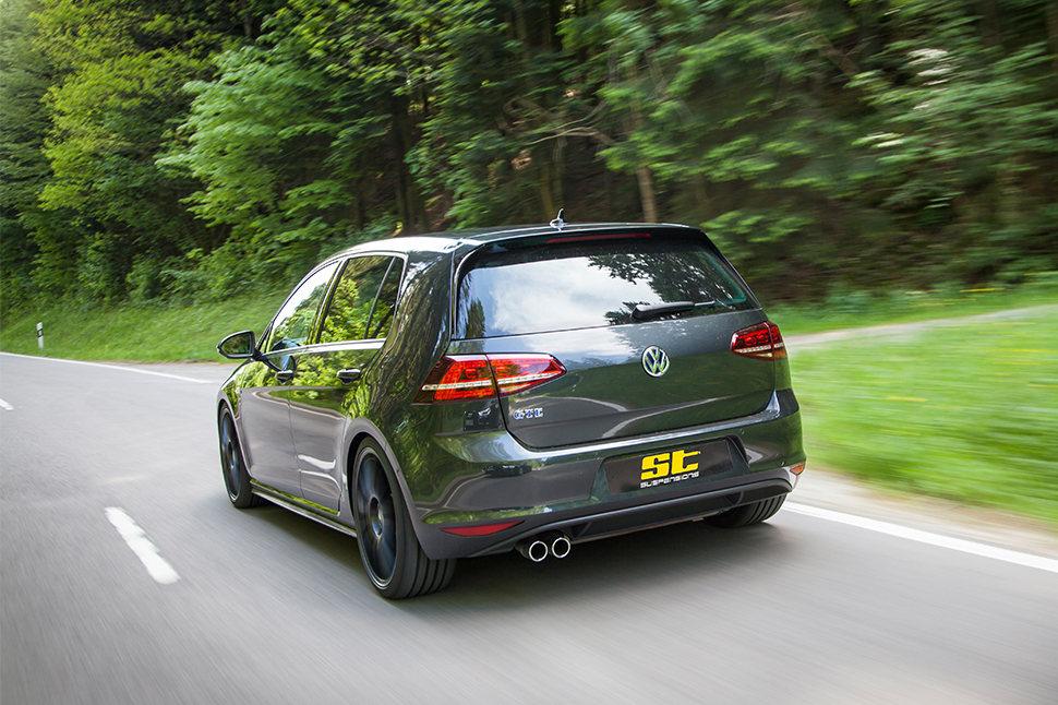 Je nach VW Golf 7 Modell, Antriebskonzept, Achsgeometrie und Motorleistung kann der maximal mögliche Einstellbereich für die maximale Tieferlegung variieren.