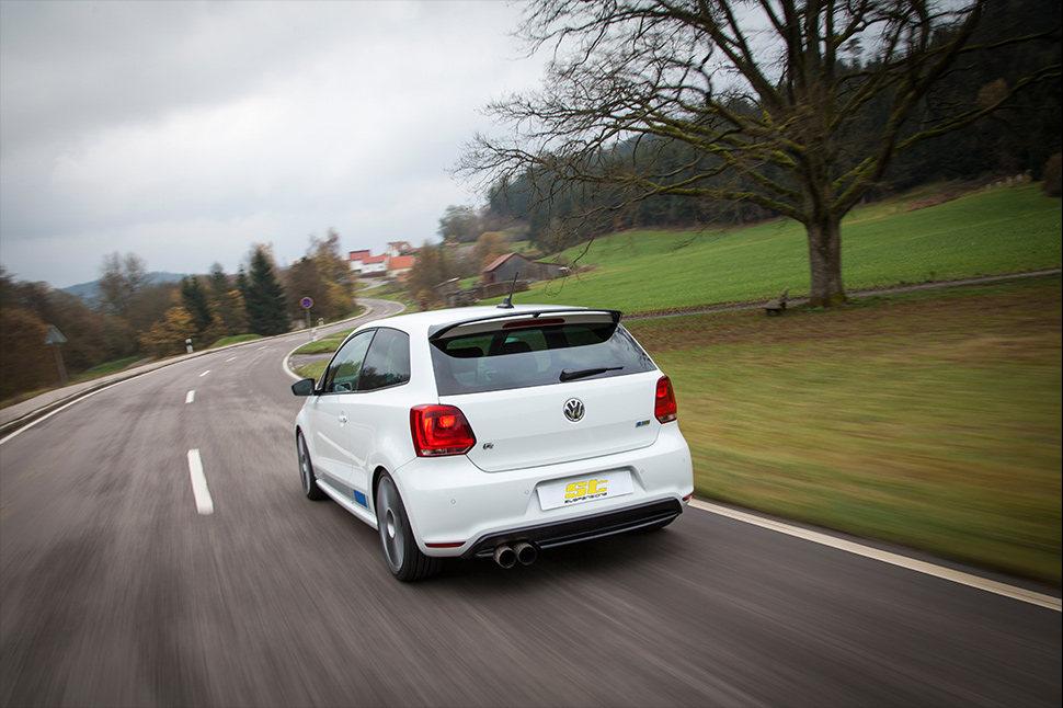 Mit den ST-Fahrwerken Gewindefahrwerken geht der Fahrwerkhersteller KW automotive einen Kompromiss bei den Federraten und der Dämpferabstimmung ein, um den Fahrkomfort zu erhalten.